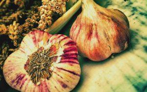 Garlic has antibacterial properties to help you fight UTIs naturally